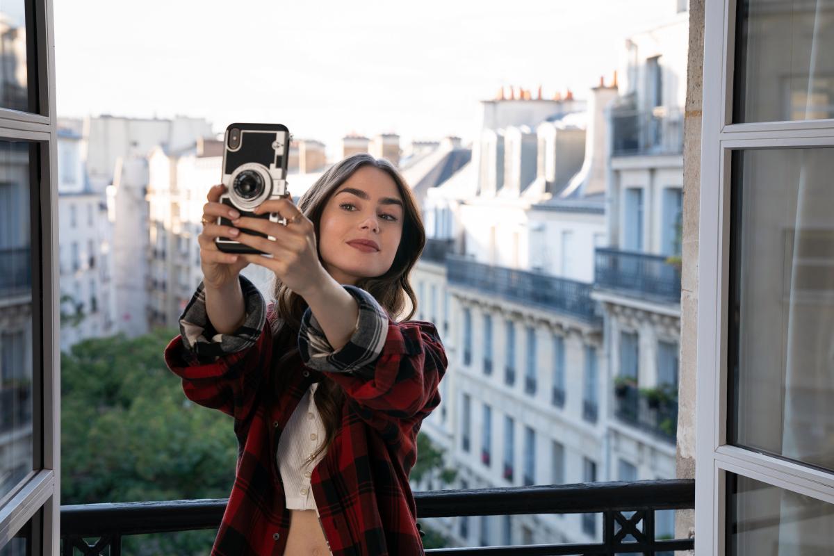 「エミリー、パリへ行く」のキャスト