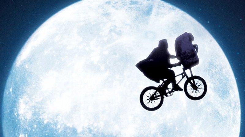 【超名作映画】「E.T.」のトリビア・あらすじ・キャスト・感想・評価・レビューなど徹底解説