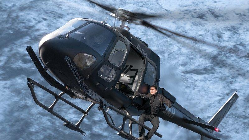 ヘリも運転しちゃうトム